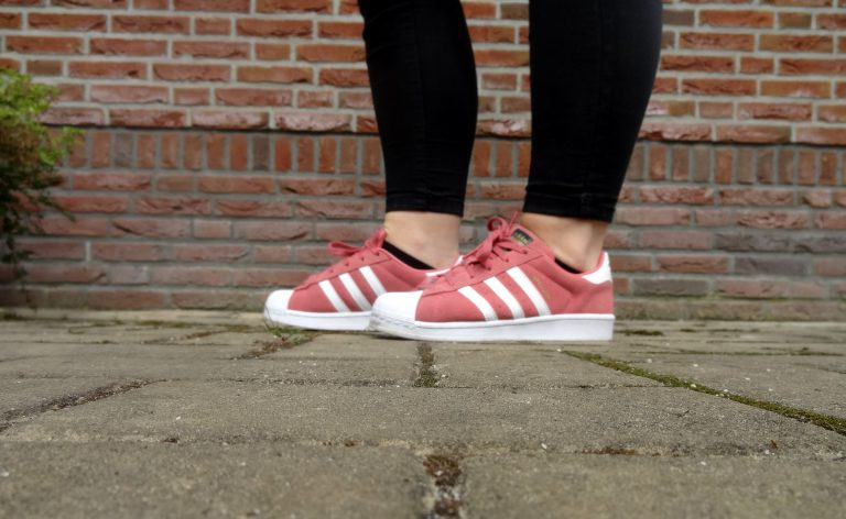 Adidas Superstar koraal