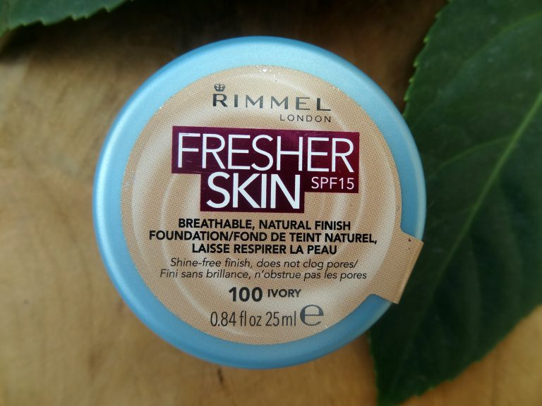 Rimmel Fresher Skin SPF15 Breathable Natural Finish Foundation