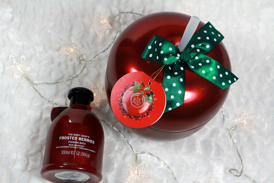 The Body Shop Frosted Berries Festive tin+ Foaming Bath
