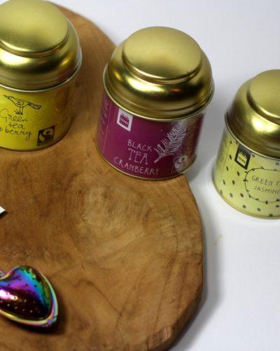 Hema thee: Green Tea Jasmin, Green Tea Rasberry en Black Tea Cranberry.