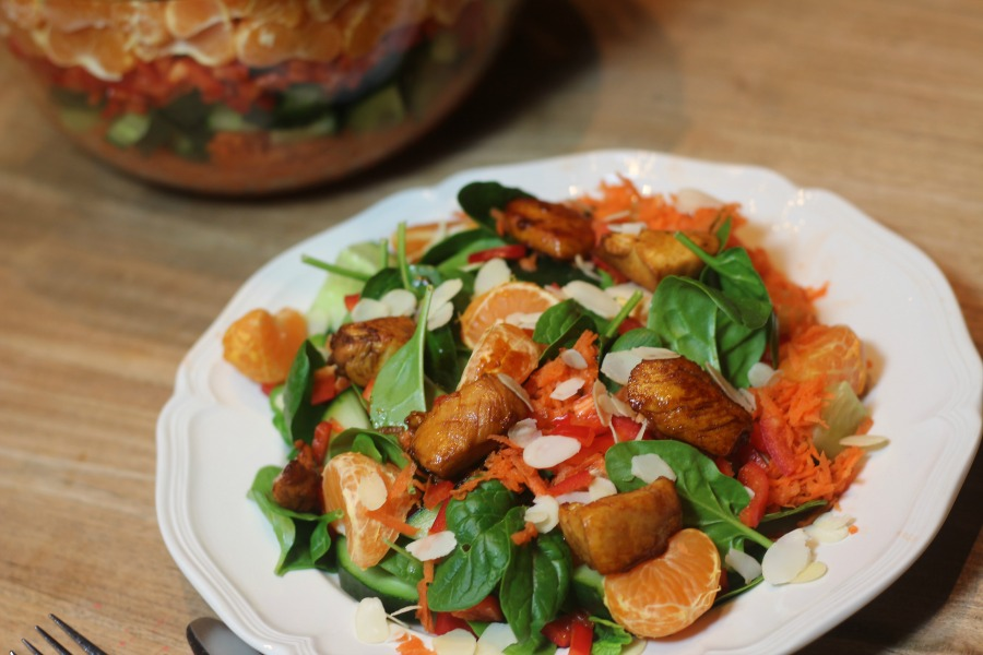 Suszie Serves: Salade met mandarijn en gemarineerde kip
