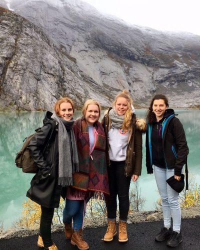 Noorwegen dag 3+4: Gletsjer hike en Borgund Stave church